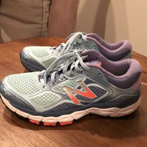 New Balance 860v6 running shoes- size 9